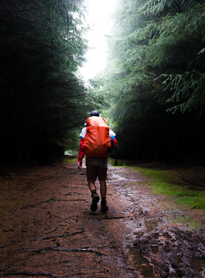 Rain Cover als Alternative zur Schutzhülle für einen Backpacker-Rucksack